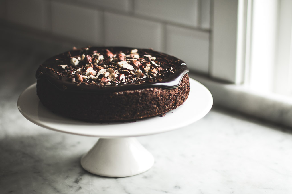 flourless chocolate hazelnut cake-7