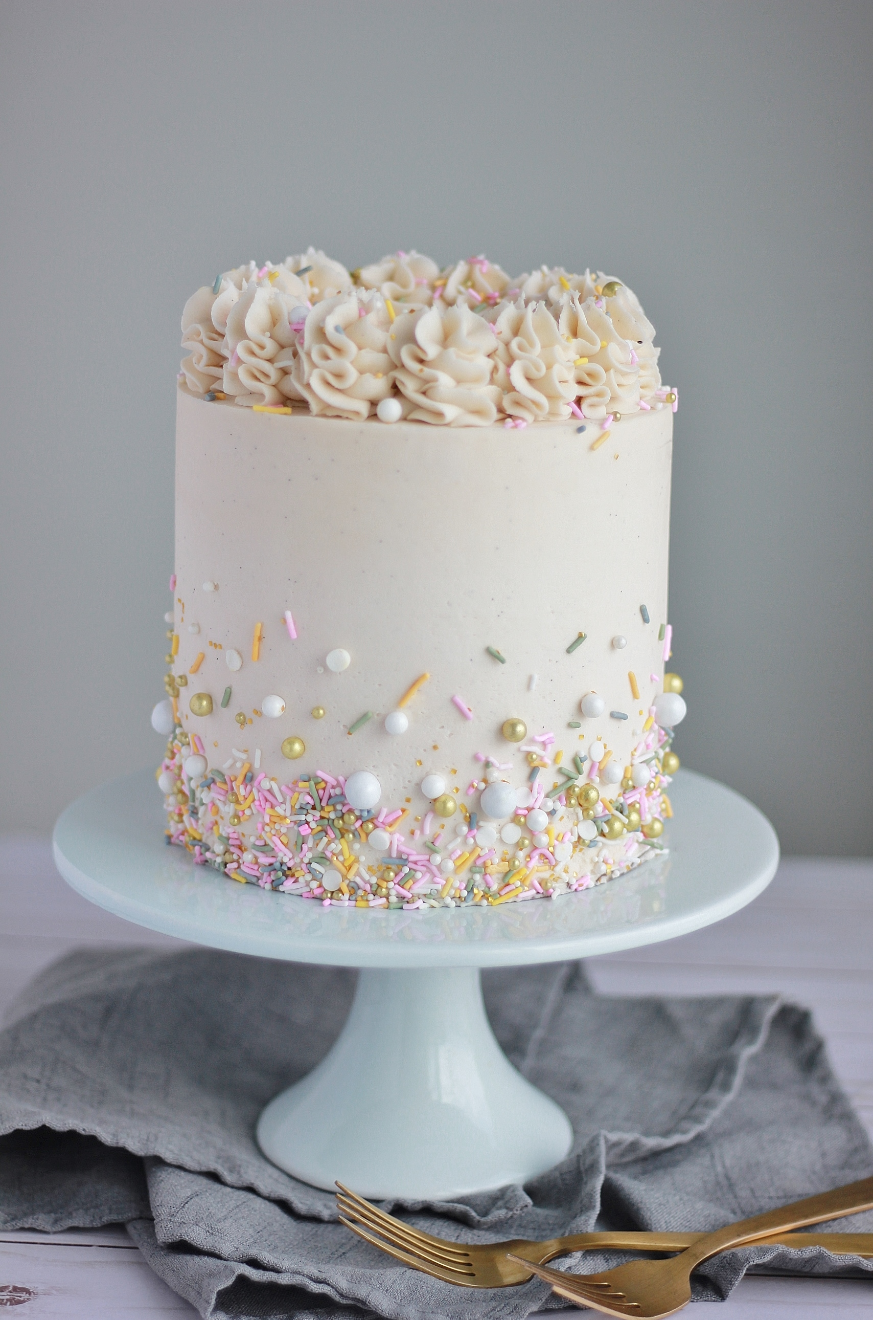 White Cake With Vanilla Buttercream Baking With Blondie