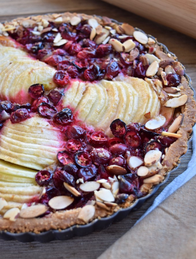 Friendsgiving Cranberry Apple Tart