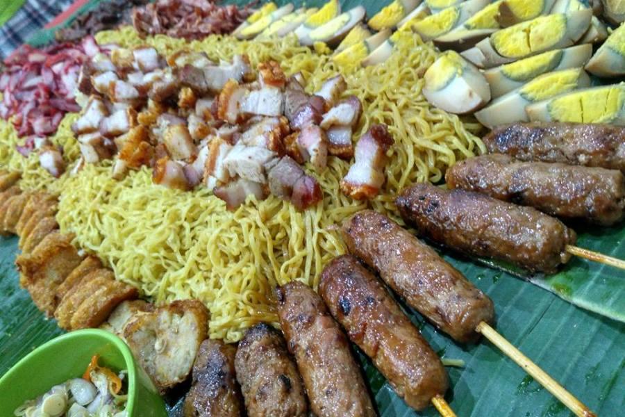 Liwet Bakmi Nasi Babi