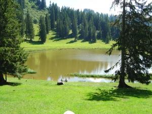 Lac de Conche au nord-ouest des Portes du Culets au-dessus de Morgins