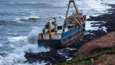 """صورة """"سفينة أشباح"""" قطعت آلاف الأميال.. وظهرت في مكان عجيب"""