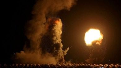 صورة الاحتلال يقصف موقعين جنوب قطاع غزة وبحريته تهاجم مراكب الصيادين
