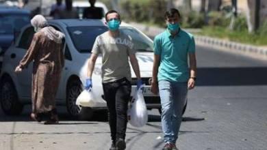"""صورة يسرائيل هيوم"""": إسرائيل ستخصص ملايين اللقاحات ضد كورونا للفلسطينيين في غزة والضفة"""