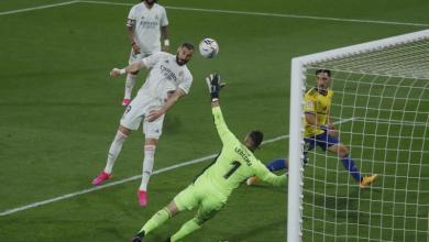"""صورة ريال مدريد ينقض على صدارة """"الليجا"""" بثلاثية قادش"""