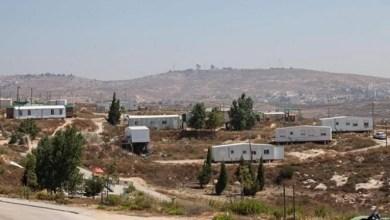 صورة مستوطنون يقيمون بؤرة استيطانية فوق اراضي المواطنين جنوب نابلس