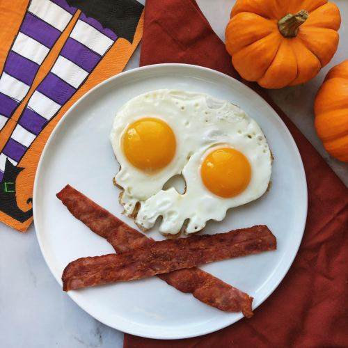 Spooky Eggs and Bacon Breakfast