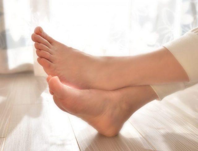 起床時の足の痛み