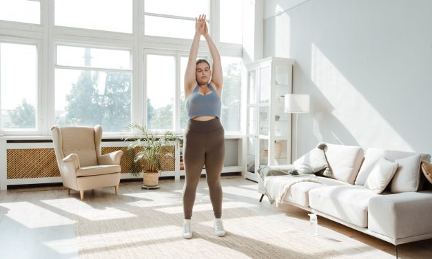 Benefits of Stretching at Work — Without Even Leaving Your Desk