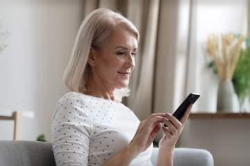 Una app permite a los familiares saber qué hace y como se encuentran los mayores que viven en residencias