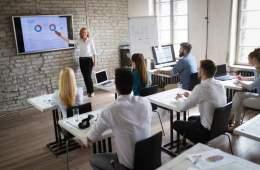 Amade organiza un curso que ofrece recursos y herramientas para llegar a nuevos usuarios