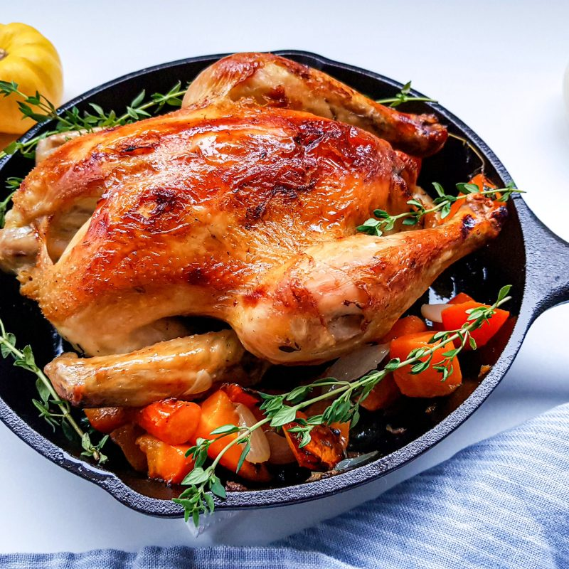 easy and juicy roasted chicken in cast iron skillet
