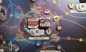 Al centro del tabellone l'habitat nebula: crocevia reso complicato dai numerosi spazi navigazione
