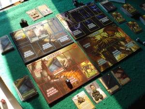 Partita con 2 giocatori; il gioco è intrinsecamente un solitario, ma l'opzione di giocare con altri è benvenuta.