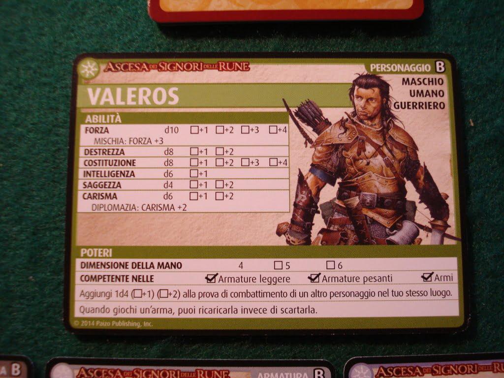 Le carte con la scheda dei personaggi sono belle... sarebbe assurdo scriverci! Per fortuna...