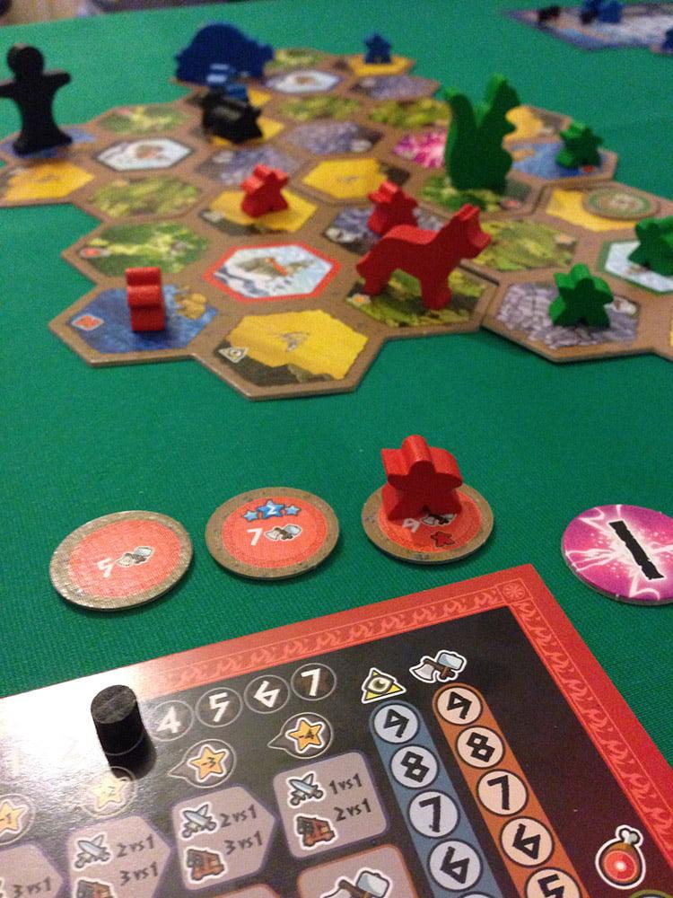 Accumulare gloria oppure costruire un villaggio, questo è il dilemma...