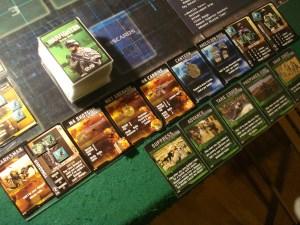 Ogni player soldier dispone di una mano di carte azione (quelle verdi in basso).