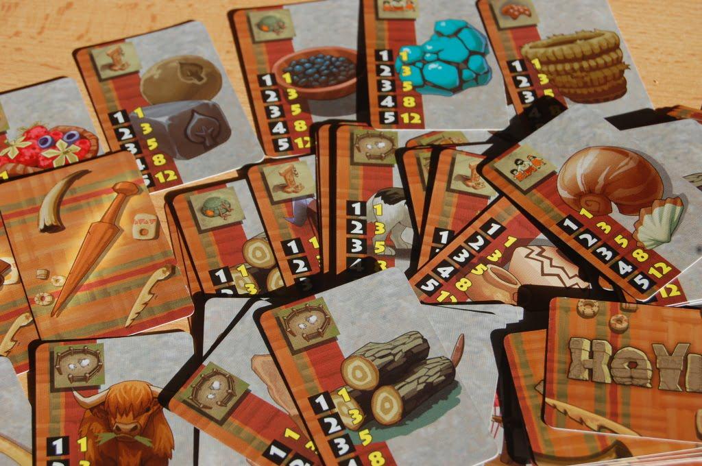LE carte Supremazia: i disegni sono tutti diversi e sono solo un gradito omaggio grafico. quello che conta è l'icona i alto a dx e la tabella dei punti vittoria che garantiscono.