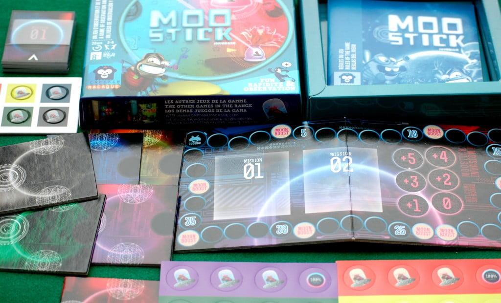 Unboxing: sembrerebbe solo un innocuo gioco per bambini, ma pericolosi invasori alieni vi si annidano .