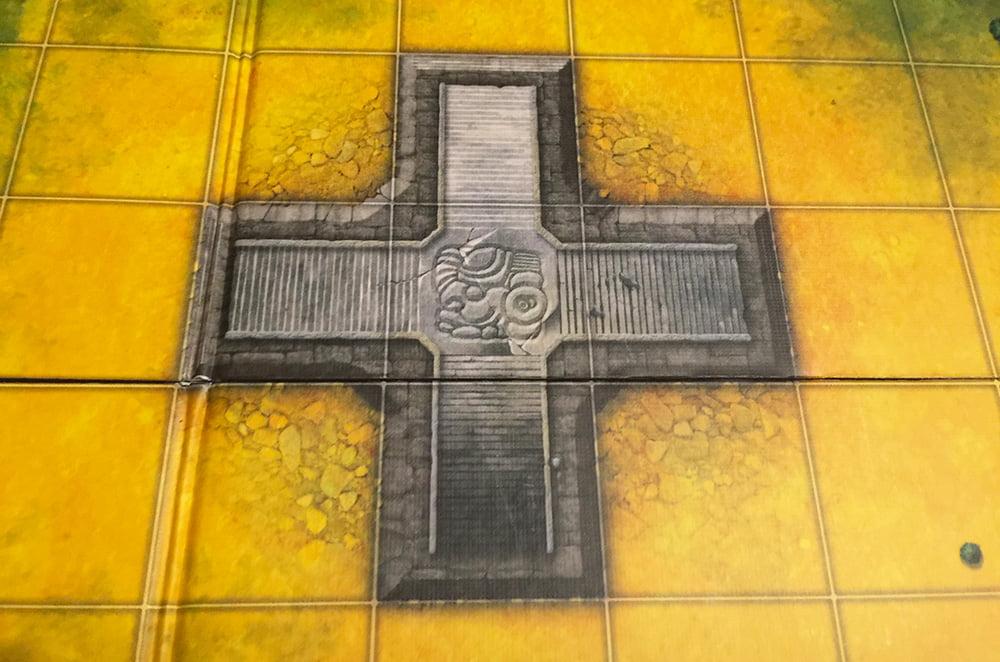 In questa zona della plancia è possibile costruire canali dappertutto, tranne che sul palazzo dell'Imperatore (la croce grigia al centro).