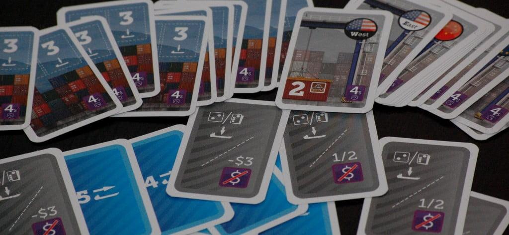 Nella parte in alto, le carte Commessa, nella parte inferiore le carte bonus