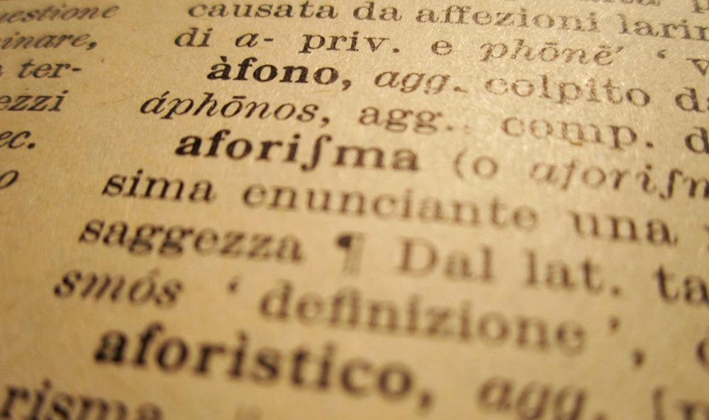 Allenatevi leggendo qualche lemma a caso sul vostro dizionario: