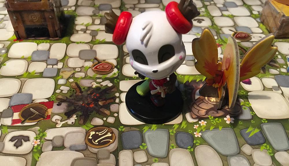 Pandalinda è stata sopraffatta da un mostro: nessun problema, adesso può ripartire dalla fenice in città.