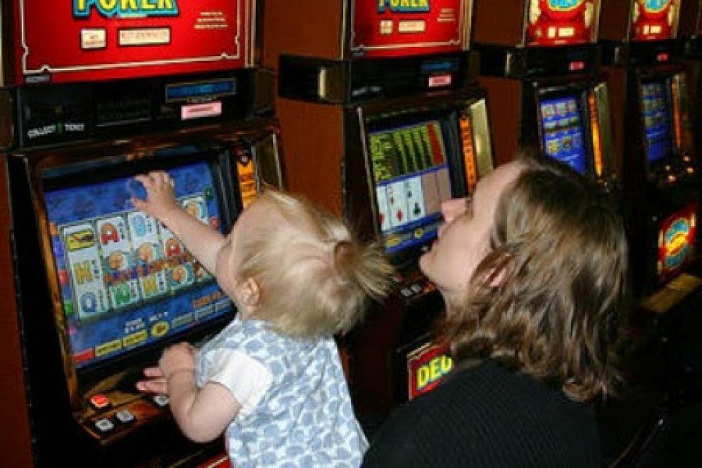 Le slot Machine sono costruite i modo di attirare l'attenzione. Chi ci si avvicina conosce queste caratteristiche?