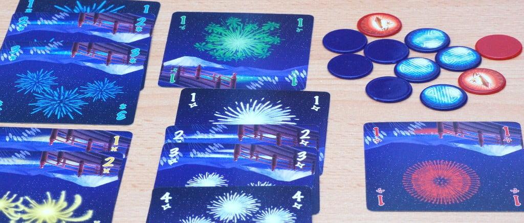 Le pile dei punti vittoria: 11 punti e ancora 4 gettoni blu w rossi da spendere. Una partita davvero promettente.