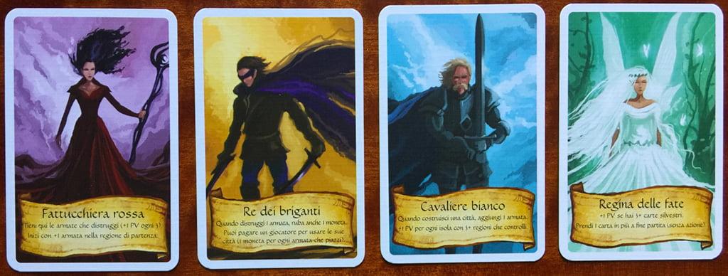 Le 4 carte leader: ognuna conferisce un diverso potere speciale al giocatore che la riceve.
