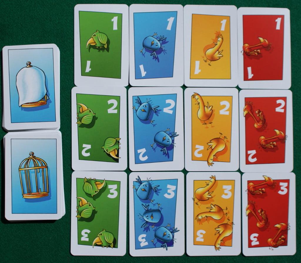 Le carte con gli uccellini ed i valori da 1 a 3. Notare i due diversi dorsi