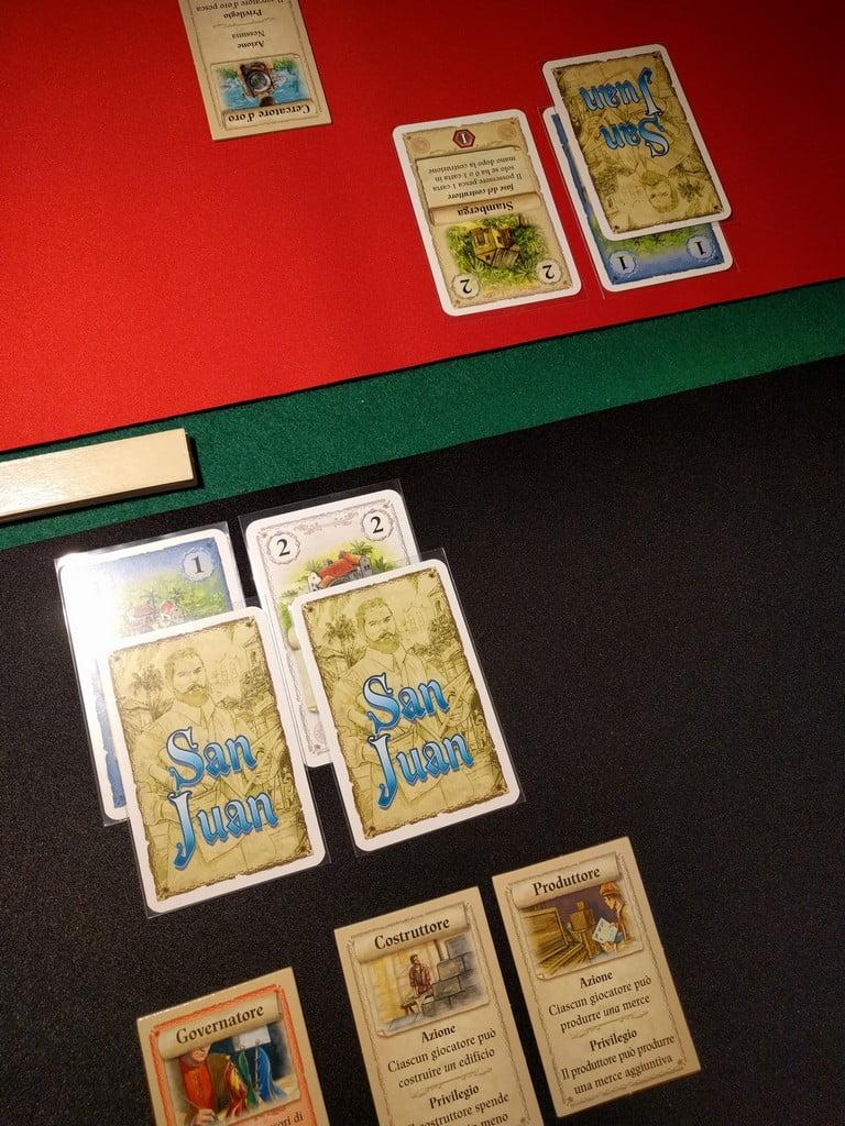 Come era prevedibile il giocatore nero sceglie come seconda azione la Produzione, e si avvantaggia così di entrambi gli edifici costruiti: un buon inizio. Il rosso produce solo indaco.