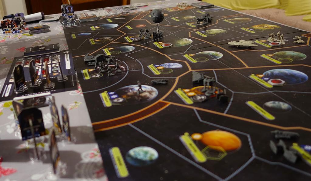 Il risultato del set-up iniziale è davvero imponente: il tavolo è pieno di componenti!