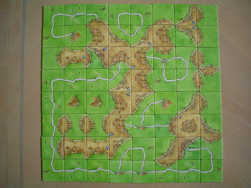 Esempio di tabellone a fine partita. Evidentemente i giocatori si erano impegnati a creare una forma completamente quadrata...