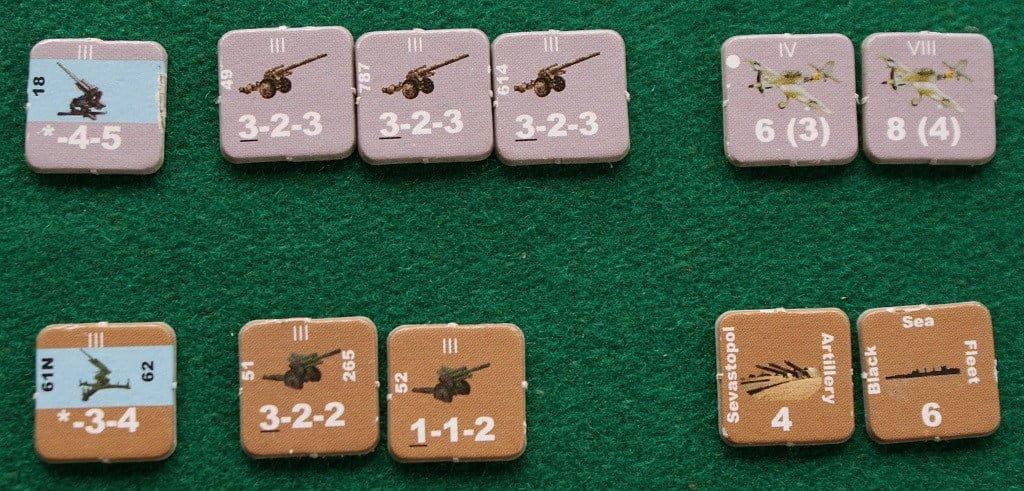 Alcune unità che possono bombardare: a sinistra, con la fascia azzurra, l'antiaerea; al centro le unità di artiglieria campale; a destra in alto due squadroni di bombardieri tedeschi, mentre in basso vediamo l'artiglieria di Sebastopoli e la flotta sovietica del Baltico)