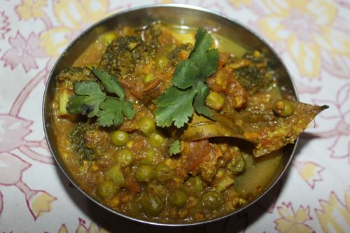 Broccoli Matar – A quick and easy Recipe for Broccoli with Green Peas – 13 Feb 16