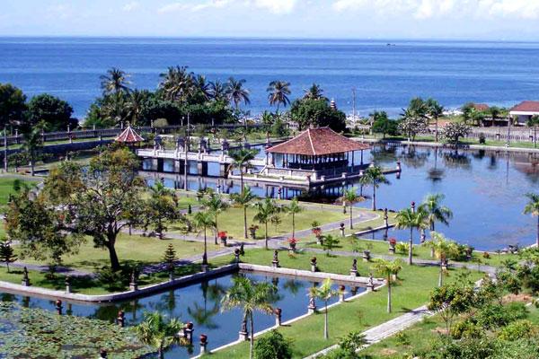 water-palace-bali-1