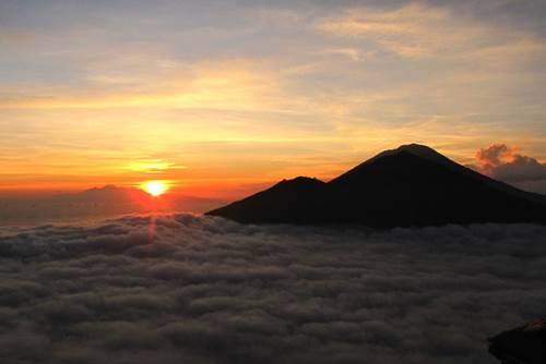 Bali Mount Batur Sunrise Trekking - Link to Page 200217