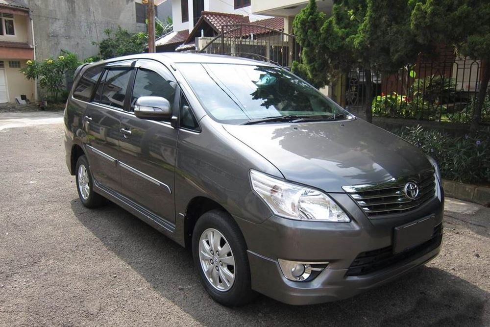 Bali Car Charter With Driver - Kijang Innova - Gallery Image 06260217