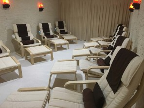 PageLines-new-chairs-empty-room.jpg