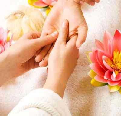 Hand reflexology can relieve many conditions and you will learn how to carry out this as a profession at the Bali International Spa Academy & Spa school in Sanur.