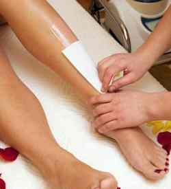 The VTCT Wax Depilation course at the Bali BISA beauty and spa school teaches how to remove hair with waxing techniques, plus client care and health & safety