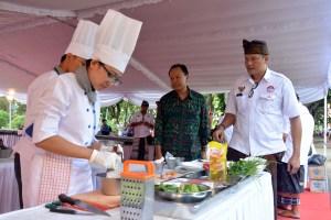 Lomba Junior Chef Balinese Rijstaffel Cooking Competition Kamis (29/12) di Sebelah Timur Lapangan I Gusti Ngurah Made Agung.