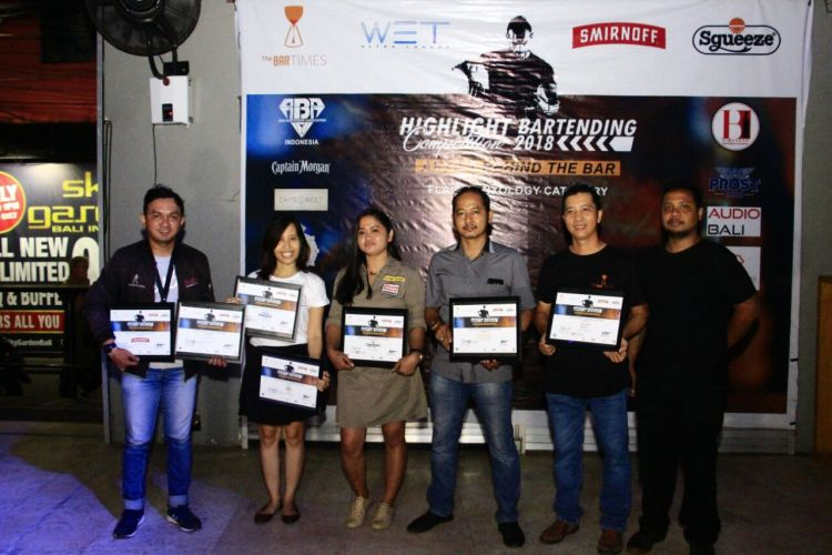 "Joli dan Budi Juara ""Artist Behind The Bar 2018"""