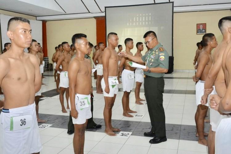 Pangdam Udayana Pimpin Sidang Parade Catam TNI AD