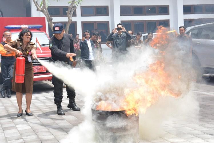 Antisipasi Bencana Kebakaran Lewat Simulasi