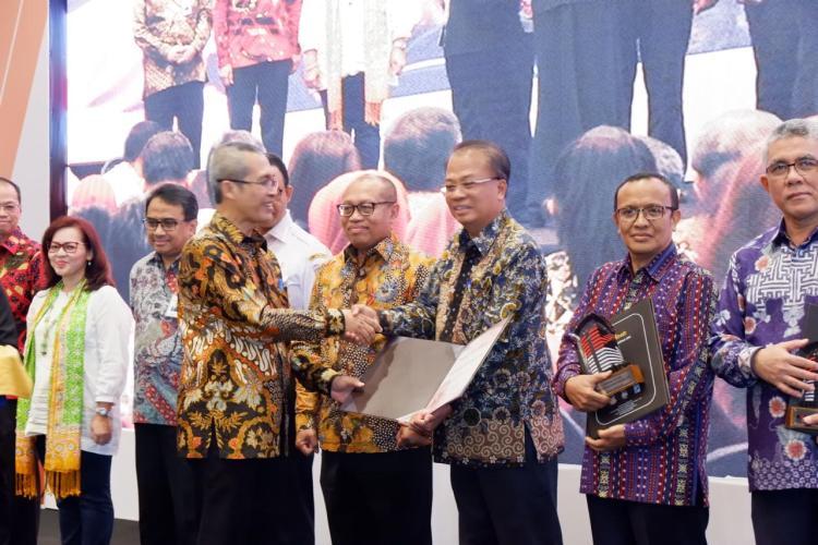 Dukung Budaya Antikorupsi, OJK Kembali Raih Dua Penghargaan KPK