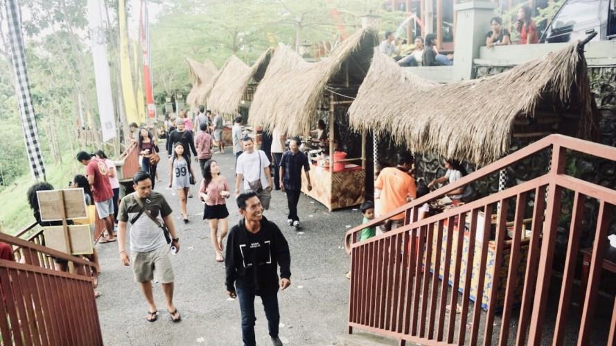 """""""Anjangsana"""" di Taman Nusa, Dari Music Ethnic hingga Memasak """"Bakar Batu"""""""
