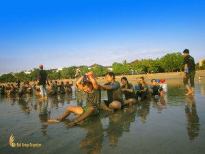 hack company, bali, beach, team building, beach team building, team building activities, bali beach team building, safe holy water, water games