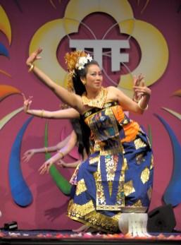Tari Puja Bhumi - Balinese dansgroep DwiBhumi - Tong Tong Fair 2015